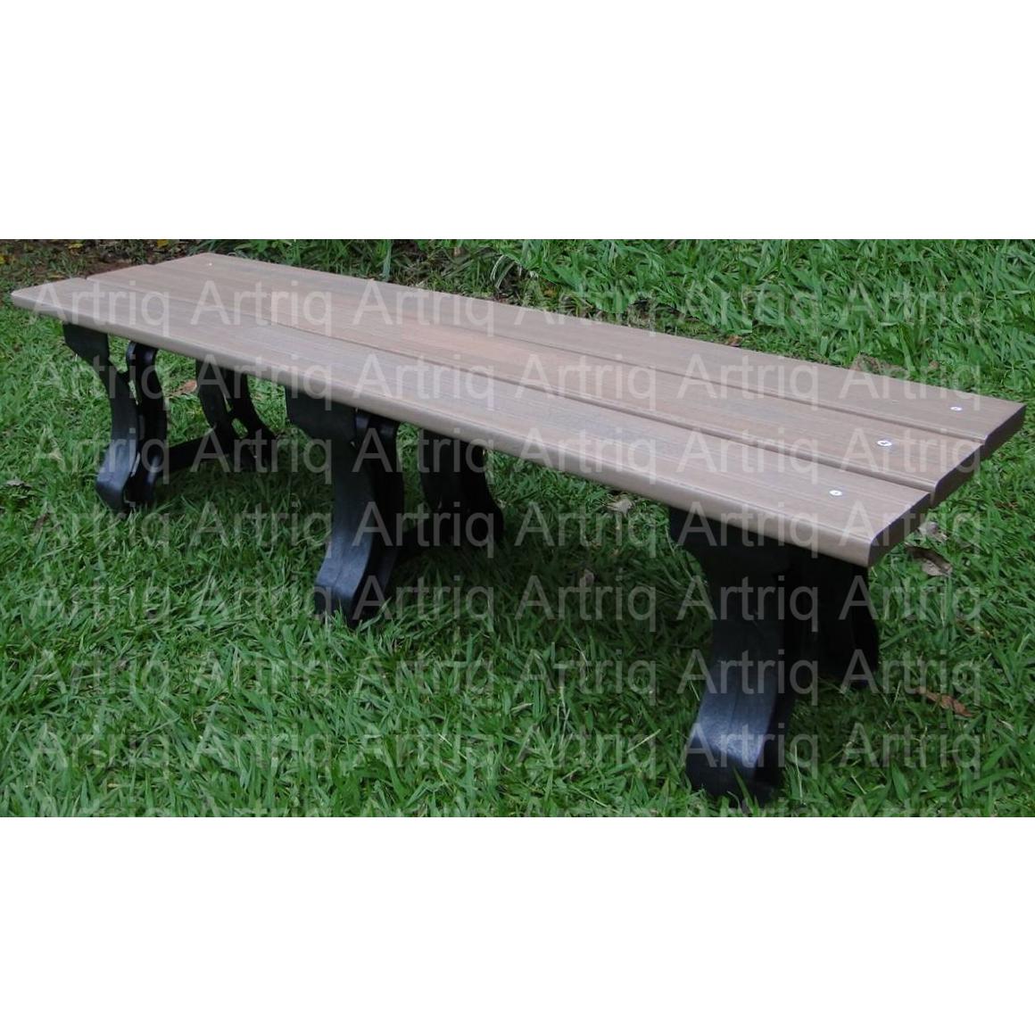 Banco de madeira plástica sem encosto com pés reforçados