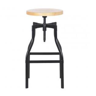 Banqueta com estrutura em aço preto, assento de madeira giratório com altura ajustável