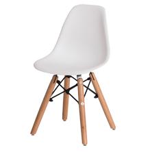 Cadeira infantil com concha em polipropileno e estrutura em madeira
