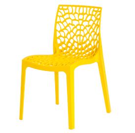 Cadeira em polipropileno com encosto trabalhado