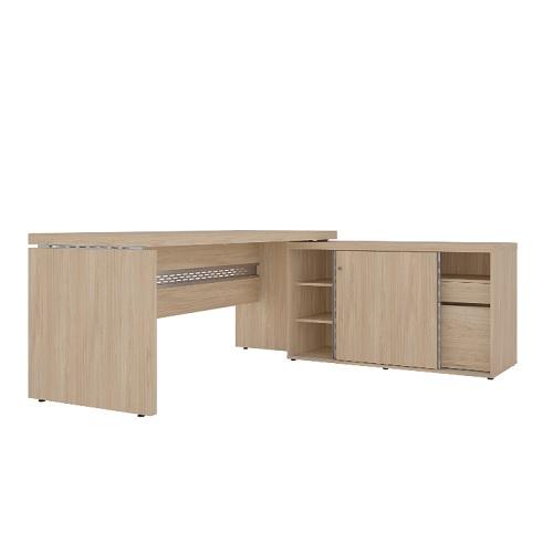Conjunto em L com mesa reta e armário baixo com portas de correr